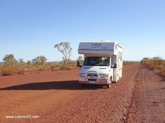 Outdoorküche Camping World : Campingküche gut ausgestattet auf reisen